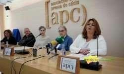 Elena Amaya, dando detalles del proyecto que lleva a cabo el Servicio de Vídeo de la Diputación de Cádiz. FOTO: ROCÍO HERNÁNDEZ