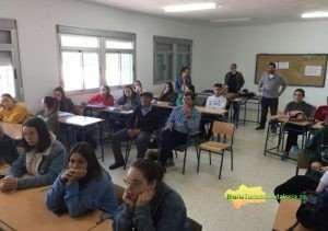 Luis-Vega-en-aula-del-IES-Paterna