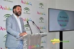 Francisco Javier Fernández ha presentado un conjunto de actuaciones que supondrán una inversión de 2,3 millones para consolidar estos mercados.