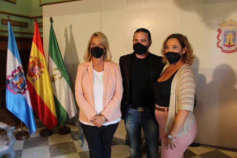 El artista motrileño José María Bea consagra su prestigio internacional con su obra pictórica contemporánea.