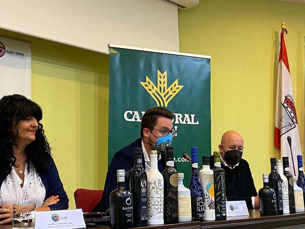La Diputación de Jaén ha querido conmemorar hoy el Día Mundial del Turismo promocionando la provincia, el AOVE y la gastronomía jiennense en Gijón.