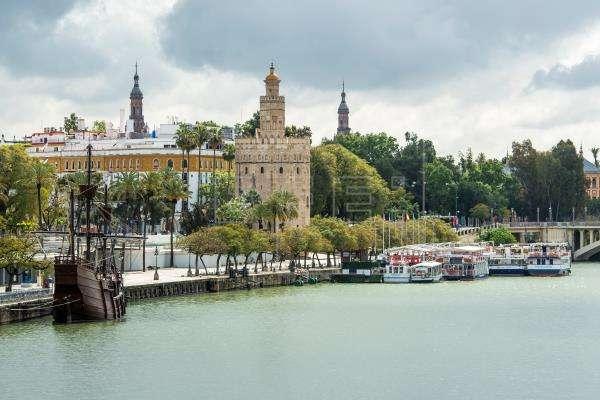 Buenas previsiones para el puente del Pilar en la capital de Andalucía, Sevilla.